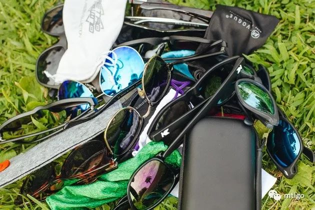 是时候戴上太阳眼镜了!告诉你如何正确选择太阳眼镜!